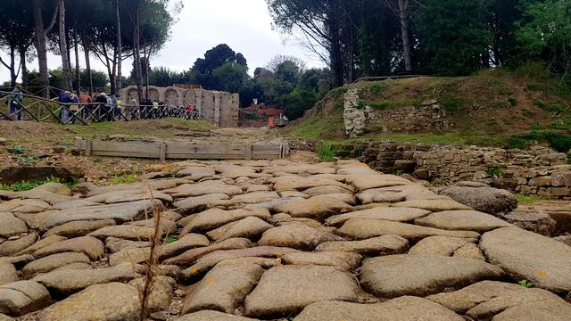 Strada romana a Populonia